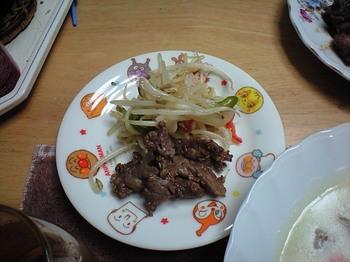 野菜炒めと味つき焼肉