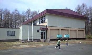 母校の体育館