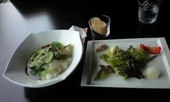 サラダとカレー